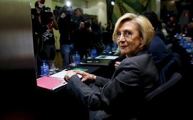 Rosa Díez se aferra al cargo