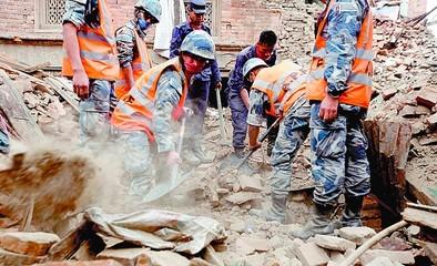 Al menos tres abulenses esperan ser repatriados desde Nepal
