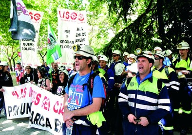 Industria mediará entre mineras y eléctricas sin forzar la compra de carbón