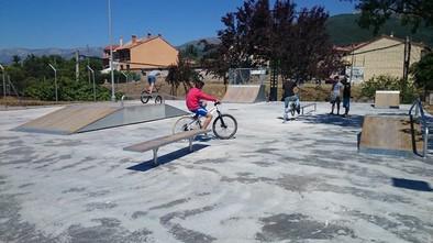 Instalada una pista de skate en el antiguo Centro de Tabaco