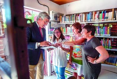 La campaña 'Lee en verano' arranca buscando nuevos lectores