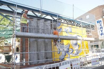Las obras del Salvador siguen con la instalación de paneles cerámicos