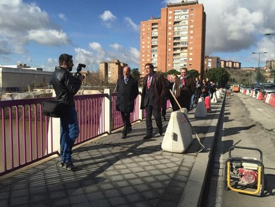 Una senda-bici unirá el puente de Arturo Eyríes y la pasarela del Museo de la Ciencia