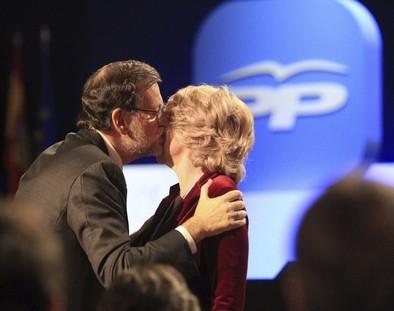 Aguirre insta a Rajoy a que adelante los comicios generales a septiembre