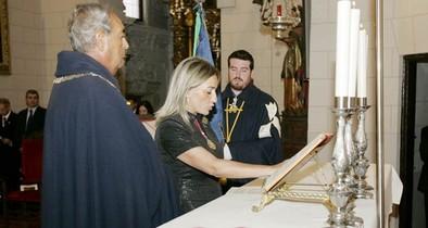La alcaldesa recibe el Collar de la Comunidad Mozárabe