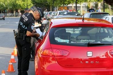 Casi la mitad de las multas de tráfico y zona azul se pagan por la vía ejecutiva