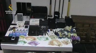 Detenidos dos integrantes de una banda que acumula 26 robos en viviendas