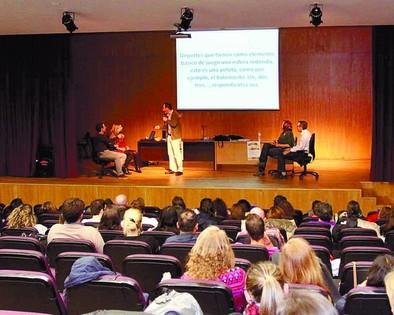 La Escuela Oficial de Idiomas celebra sus 10 años enseñando español, a la espera de ampliar niveles