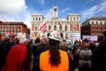 Manifestación contra el cierre de Lauki y Dulciora