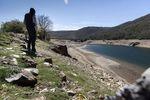 El pantano de Úzquiza presenta este lamentable aspecto, agostado en pleno abril
