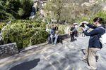 La gran afluencia de turistas en el pequeño enclave de Orbaneja del Castillo causa numerosos problemas que la pedanía va resolviendo como puede