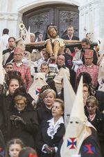 La Procesión del Cristo de la Gotas inicia su recorrido en la Iglesia de San Gil