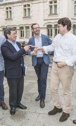 De izquierda a derecha, el presidente del PP en Burgos, César Rico, el vicesecretario del partido, Javier Maroto, y el líder regional, Alfonso Fernández Mañueco, antes del XIII Congreso Provincial del Partido Popular burgalés.