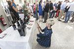 El certamen 'El Alma de los Vinos Únicos' reunió en el Fórum a 122 bodegas de Europa, Argentina y Marruecos y a medio millar de sumilleres y 1.500 catadores.