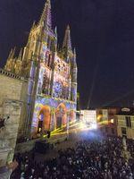 Espectáculo de luces y sonido en la fachada de la Catedral durante la Noche Blanca.