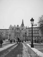 Arco de Santa María, en el centro de la capital burgalesa, con la Catedral de fondo.