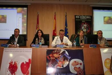 Un momento del acto inaugural de las Jornadas de Hábitos de Vida Saludable en el Hospital de Villarrobledo. Ayuntamiento