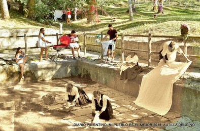 La fotografía lleva por título 'Memoria y auge del lino en el Alberque' y es una visión del ayer y del hoy en el lugar en el que las mujeres lavaban y tendían la ropa.