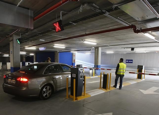 Primer día del aparcamiento subterrano del Hospital Clínico.