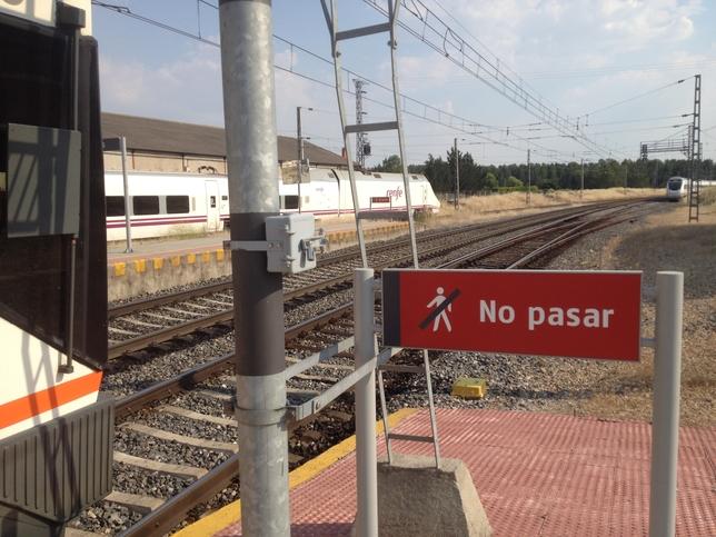 GALERÍA: El robo de cable ferroviario provoca retrasos de hasta cuatro horas