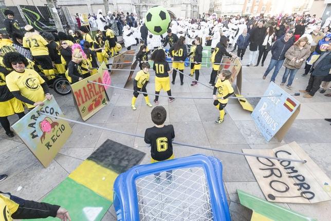 Gran desfile de Carnaval por el centro de Burgos