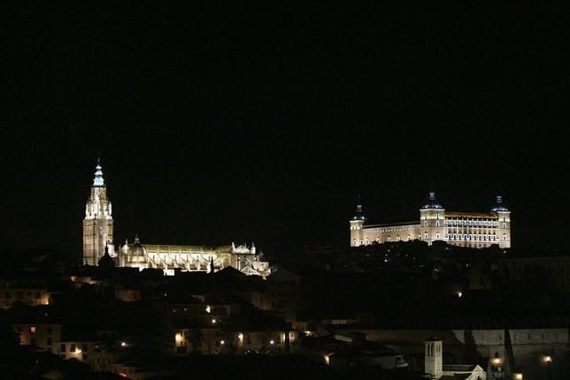 La iluminación de monumentos dejará 217.360 euros anuales al Consistorio