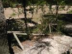 Diversos desperfectos en la zona de la fuente de la salud y capilla de la Virgen de los Álamos.