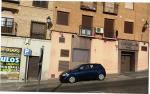 Lunes 4 de julio de 2016 a las 8.30h Paseo del Carmen s/n Toledo (Frente a la E.I. Ángel de la Guarda)  Sobrados vamos ya de por si en el casco con el tema del aparcamiento para residentes... si a ello le agregamos conductas incivicas y no penalizadas como es el caso...  mal vamos (donde deberían aparcar 2 coches dejo 1 porque yo lo valgo y en mitad para que no me  lo rocen...)   ¿A ver quien es el/la list@ que se atreve a restar espacio al sitio reservado para minusválidos? Yo desde luego no.