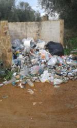 Otra vez basura en el Pantano del Vicario. Me hago la pregunta ¿Así cuidan el Medio Ambiente, la Confederación Hidrográfica del Guadiana y el Ayuntamiento?