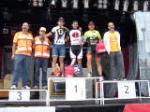 """El domingo 28 pasado se celebró en nuestra ciudad la """"II Marcha Burgos Bike BTT Scott"""", prueba que contó con más de 200 participantes no sólo de nuestra ciudad y provincia, sino del resto de España, acudiendo corredores con un buen palmarés como el olímpico Carlos Coloma Nicolás o de equipos ciclistas oficiales, como los del equipo Scott Alfonso López Lastra y Roberto Fernández Garrido.  El recorrido se desarrolló en un circuito de 23 kms. al que los corredores dieron 2 vueltas. A pesar de un intento de boicot, la carrera fue un éxito organizativo, con un gran número de voluntarios y colaboradores, que con un gran esfuerzo y que junto a patrocinadores y participantes, consiguieron que todo se desarrollara como estaba había previsto. Clasificación absoluta: 1º Santiago Garrido Ruiz; 2º Julio Garvia Honrado; 3º Alfonso López Lastra; 4º Roberto Fernández Garrido; 5º Raúl Castrillo Sedano."""