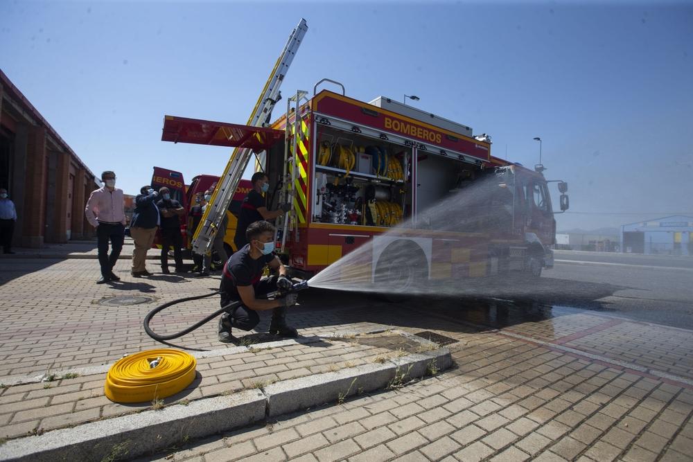 Los bomberos presentan sus nuevos vehículos