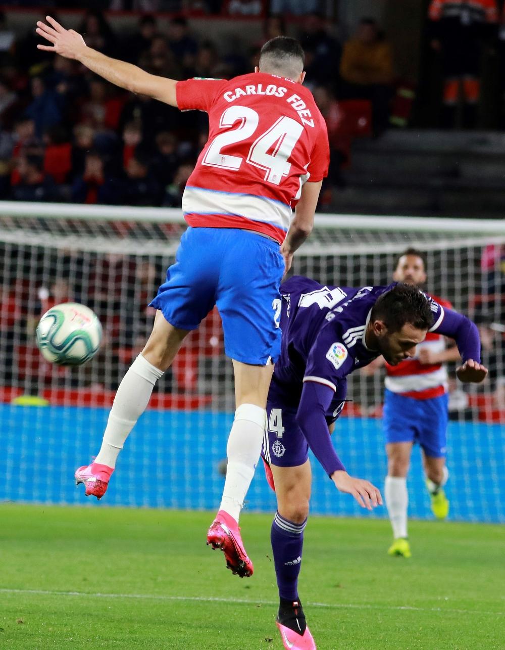 El Real Valladolid pierde en Granada en el descuento