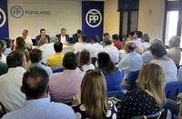 El PP busca cerrar la crisis del  26-M con el adiós de Lucas
