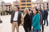 Mañueco muestra su apoyo a De Gregorio