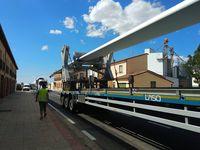 Tres vehículos de grandes dimensiones congestionan Almenar
