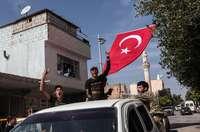 Turquía refuerza posiciones en el norte de Siria