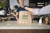 Uber ofrece en Segovia reparto de comida a domicilio