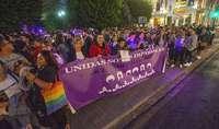 Unas 500 personas se concentran contra la violencia machista