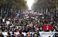 Macron ultima su reforma de las pensiones pese a las protestas