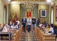 Mariscal recibe a alumnos del proyecto Erasmus+ Euroknitters
