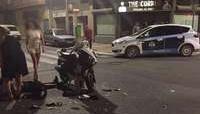 El conductor de un ciclomotor resulta herido en un accidente