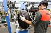 Bridgestone reducirá la producción por cambios en la demanda