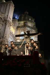 El Cristo de la Vega pudo salir, aunque con incidente