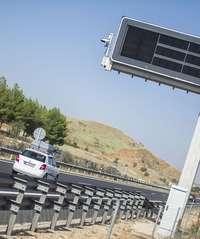 Radares multan a un conductor cada 8 minutos por velocidad