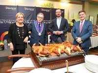 Maroto pone en valor la labor de los alcaldes de la región