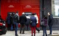 Los bancos limitan los servicios de dinero en ventanilla
