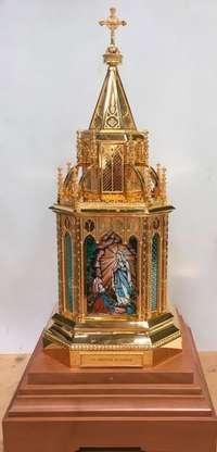 Valladolid recibe las reliquias de la vidente de Lourdes