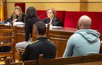Declara ver al acusado patear la cabeza de la víctima
