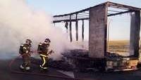Arde un camión en la carretera de Villalón