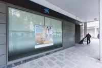 CaixaBank prescindirá de 28 empleados y cerrará 2 oficinas